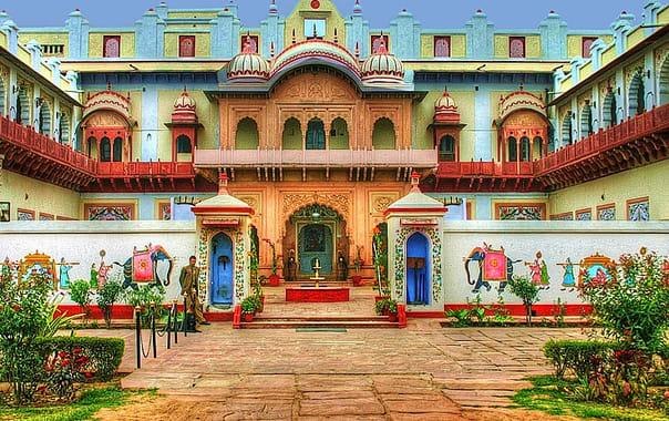 1417858113_bharatpur_palace.jpg