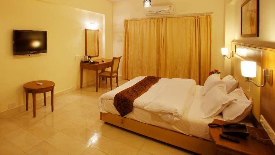 1467368342_room_kamath_residency_mumbai3_kz4jn0.jpg