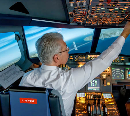 Flight Simulator Experience at Pier Seven Aviation