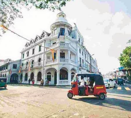 City Tour in Kandy by Tuk-tuk