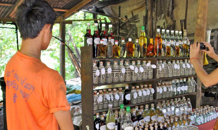 Whiskey Village (Ban Xang Hai)
