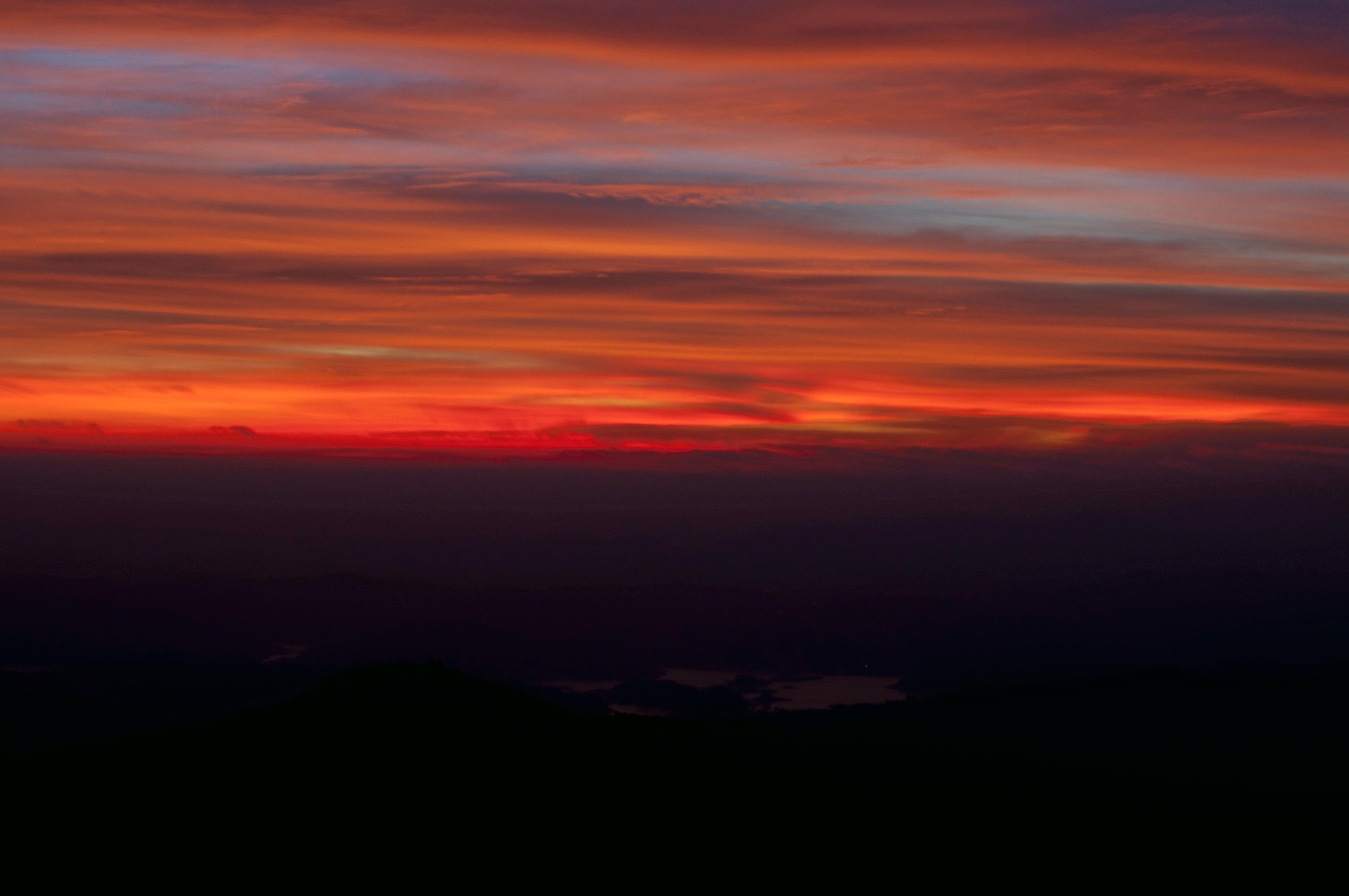1479886010_colors_of_sunrise_at_kodachadri_peak.jpg
