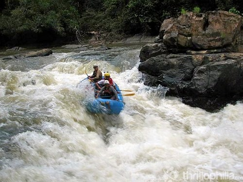 River-rafting-at-barapole-coorg.jpg