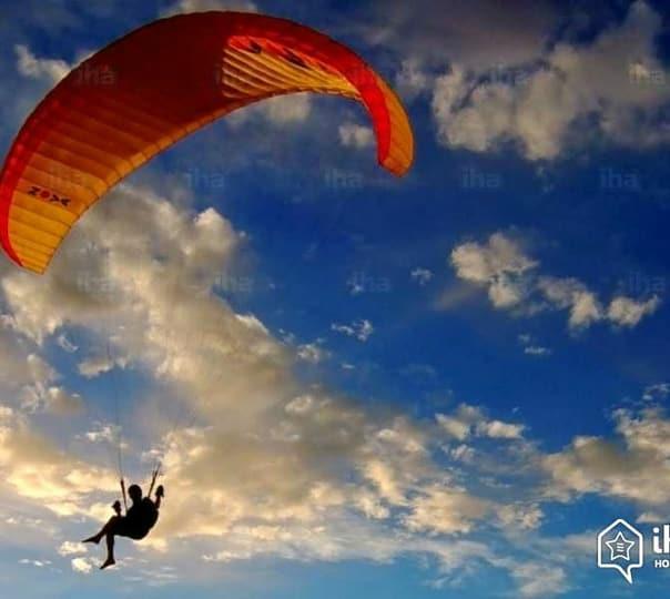 Paragliding at Shivapuri in Shimla