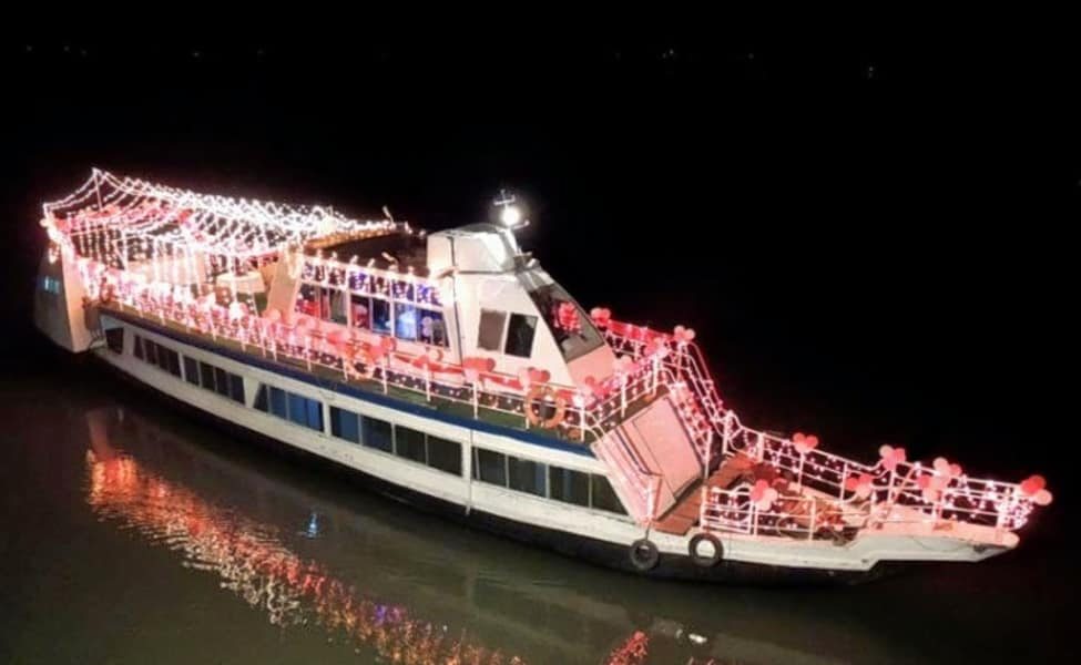 Candle Light Dinner On A Cruise In Guwahati