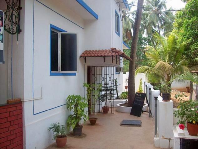 1466776225_baga-villa-goa-exterior-44937565657g.jpg