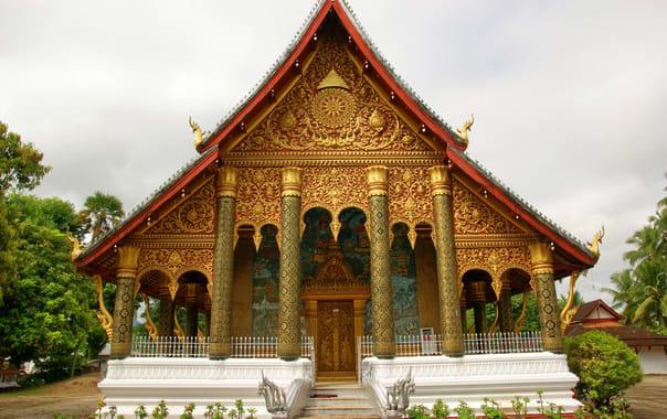 1462533086_wat_mahathat_temple_(laos2009).jpg