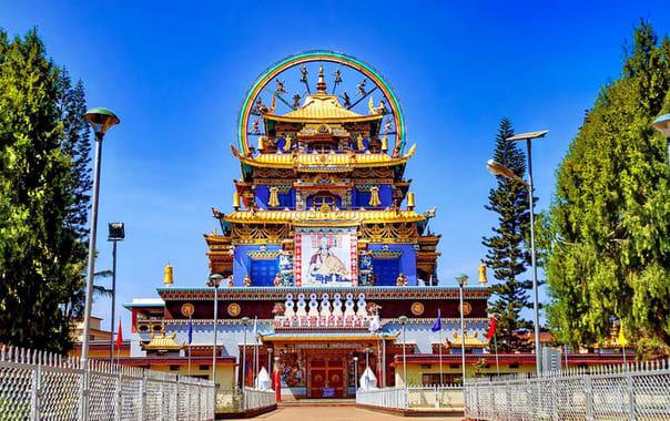 1507967789_namdroling_monastery_-_places_to_visit_in_coorg.jpg.jpg