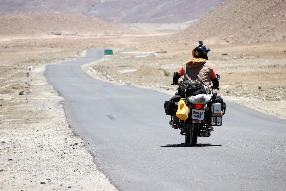 1487072596_rider-1646754_960_720.jpg
