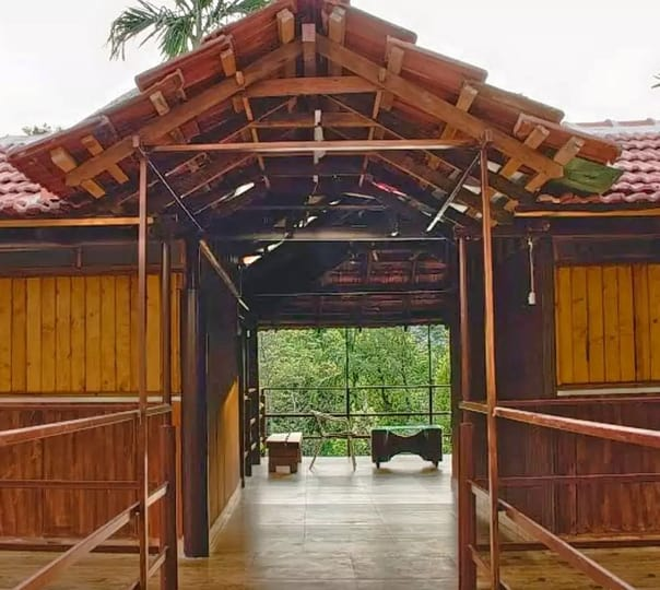 Stay at the Foothills of Brahmagiri