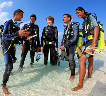 Scuba Diving with 10 Dives in Maldives