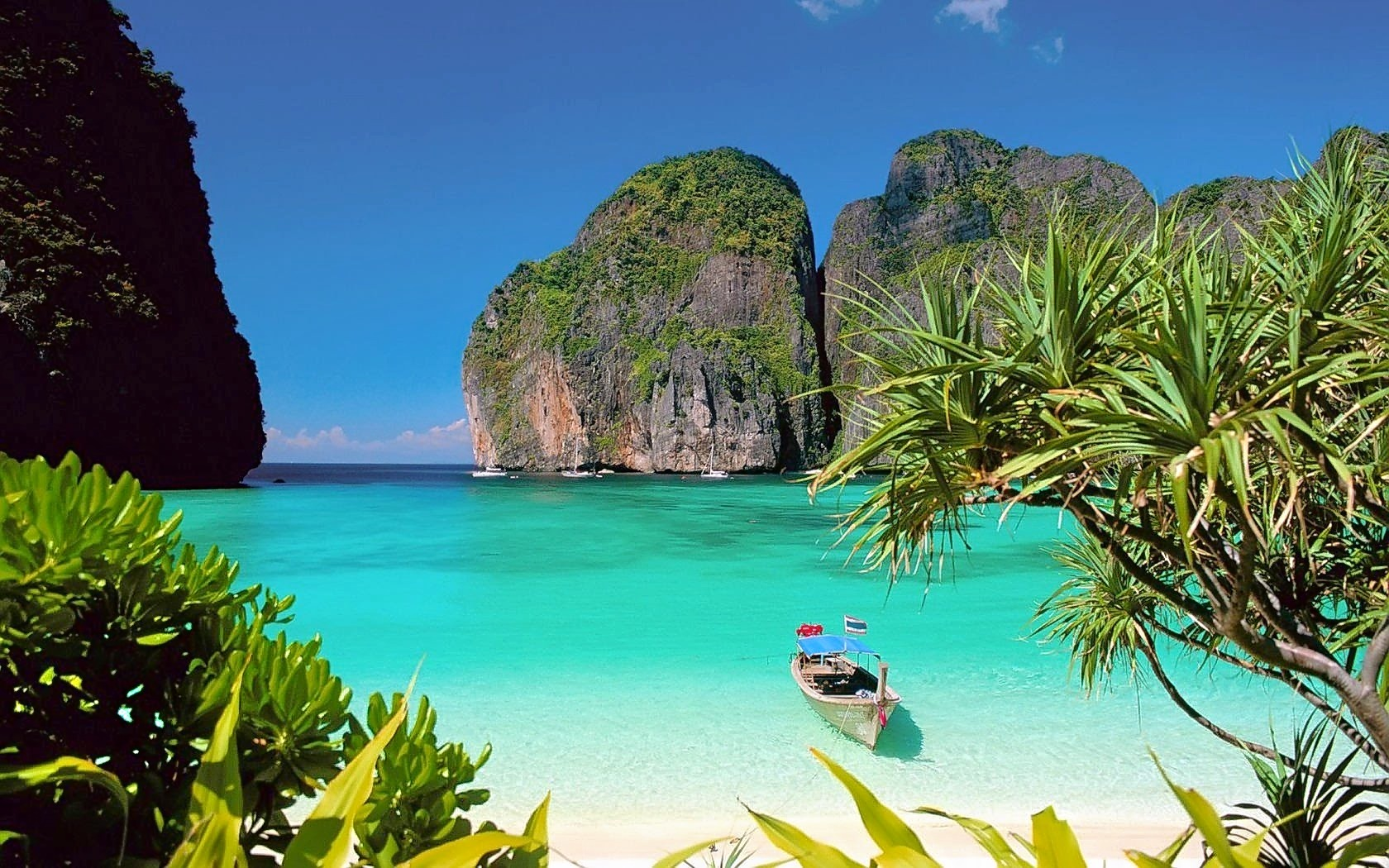 1476252150_phi-phi-island-maya-beach.jpg