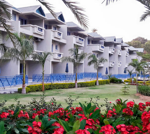 Stay at Humming Bird Resort in Rajasthan