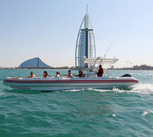 Cruise to Dubai Marina, Palm Jumeirah and Burj Al Arab