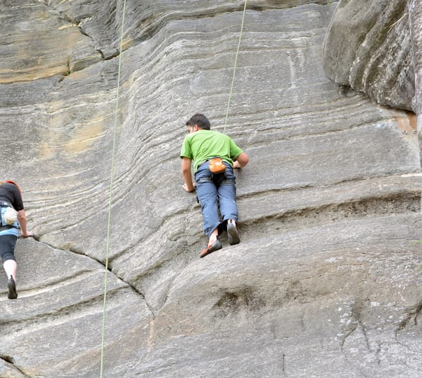 Rock climbing at Vashisht