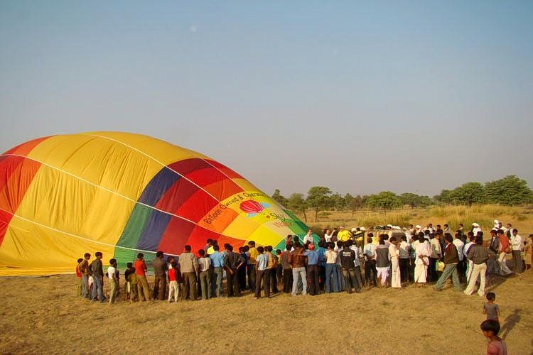 Hot_air_balloon-4.jpg
