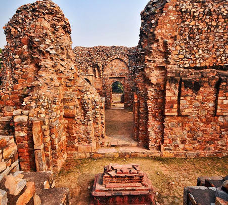 Refreshing Walk through Mehrauli Archaeological Park in New Delhi