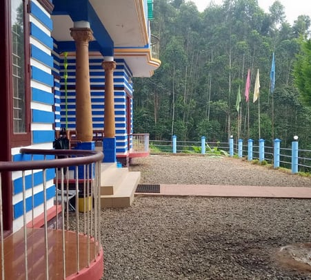 Jungle Homestay in Munnar with Campfire