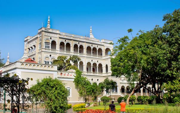 1524423147_aga_khan_palace.jpg