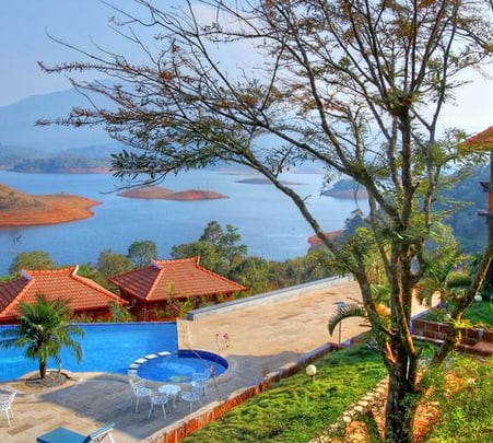 Luxurious Stay at the Blanket Hotel and Spa in Munnar @ 31% off
