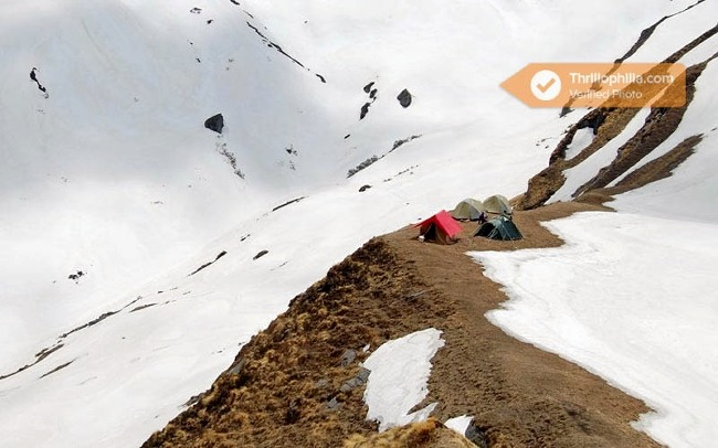 M_auli_and_gurson_snow_trek_5.jpg