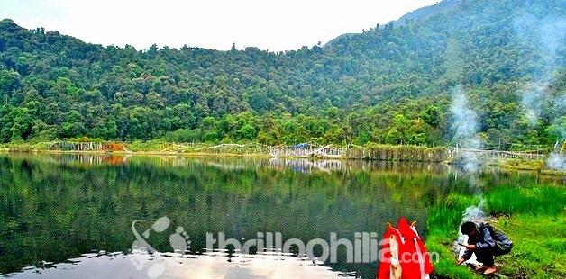 Khecheopalri-lake_sikkim.jpg