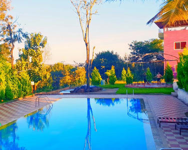 Riverside Homestay with Swimming Pool, Sakleshpur
