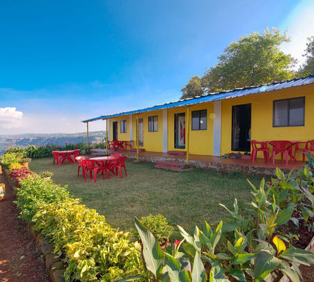 Homestay Amidst Picturesque Valley in Mahabaleshwar
