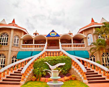Couple Stay at Celebrity Resort, Hyderabad