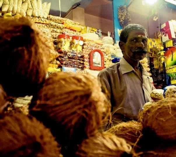 Chennai Bazaars Stroll