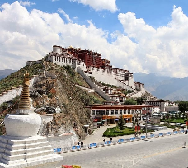 8 Days Lhasa and Mount Everest Tour