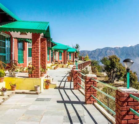 Budget Experiential Stay near Kanatal