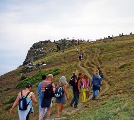 Experience trek to Bijli Mahadev