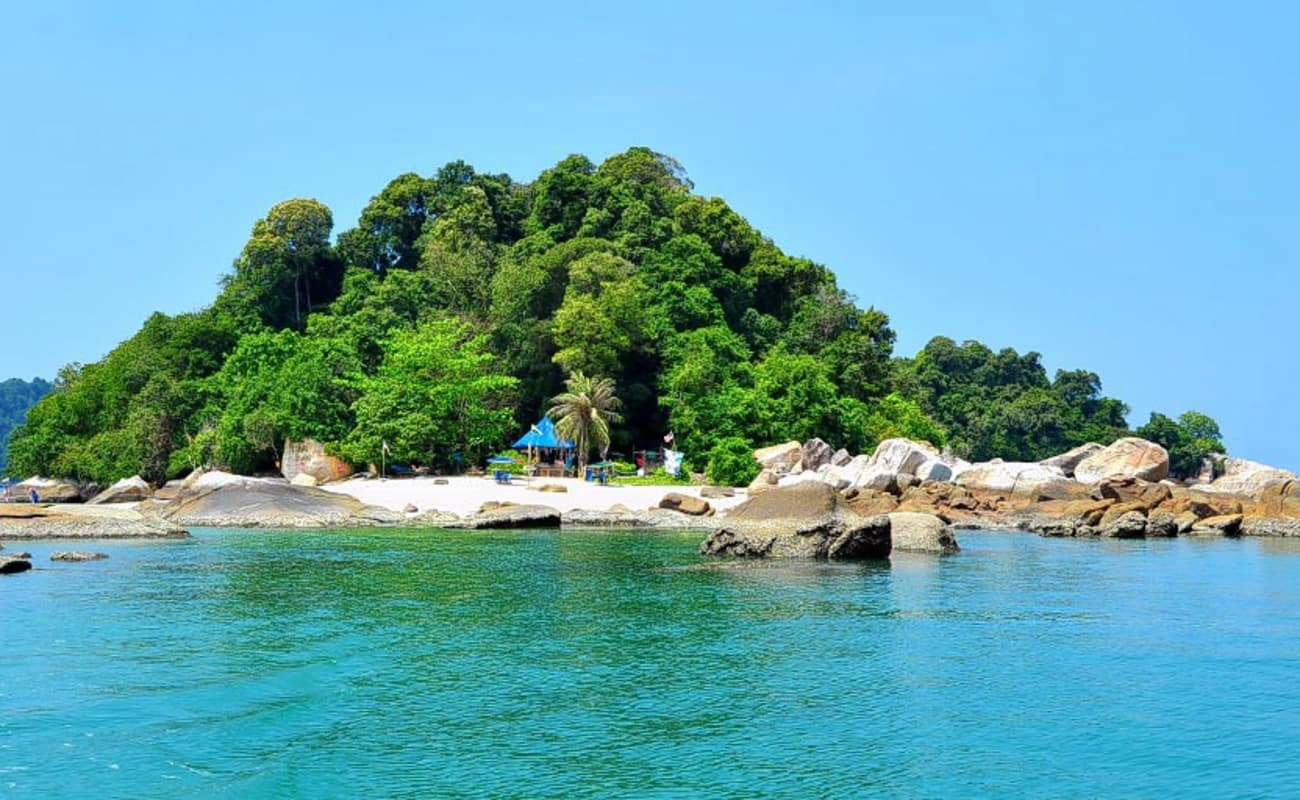 pangkor island Compare 68 hotels in pangkor island using 1388 real guest reviews earn free  nights and get our price guarantee - booking has never been easier on.