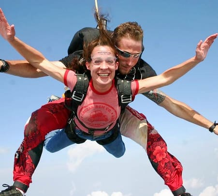 Skydiving near Mumbai