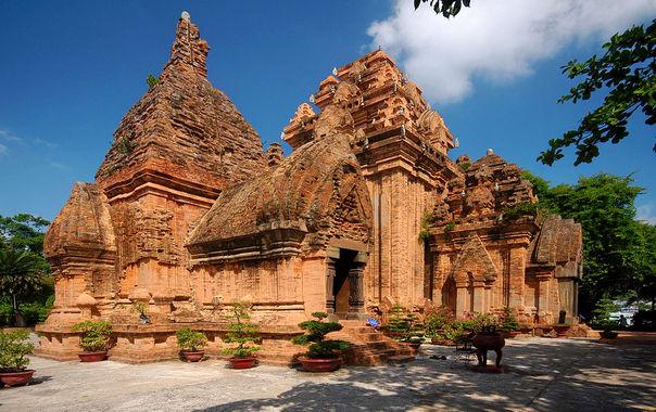 1484035777_cham-temple-po-nagar-nha-trang-vietnam-0249.jpg