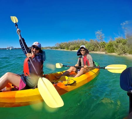 Luxury Kayak Tour to Wavebreak Island in Goldcoast