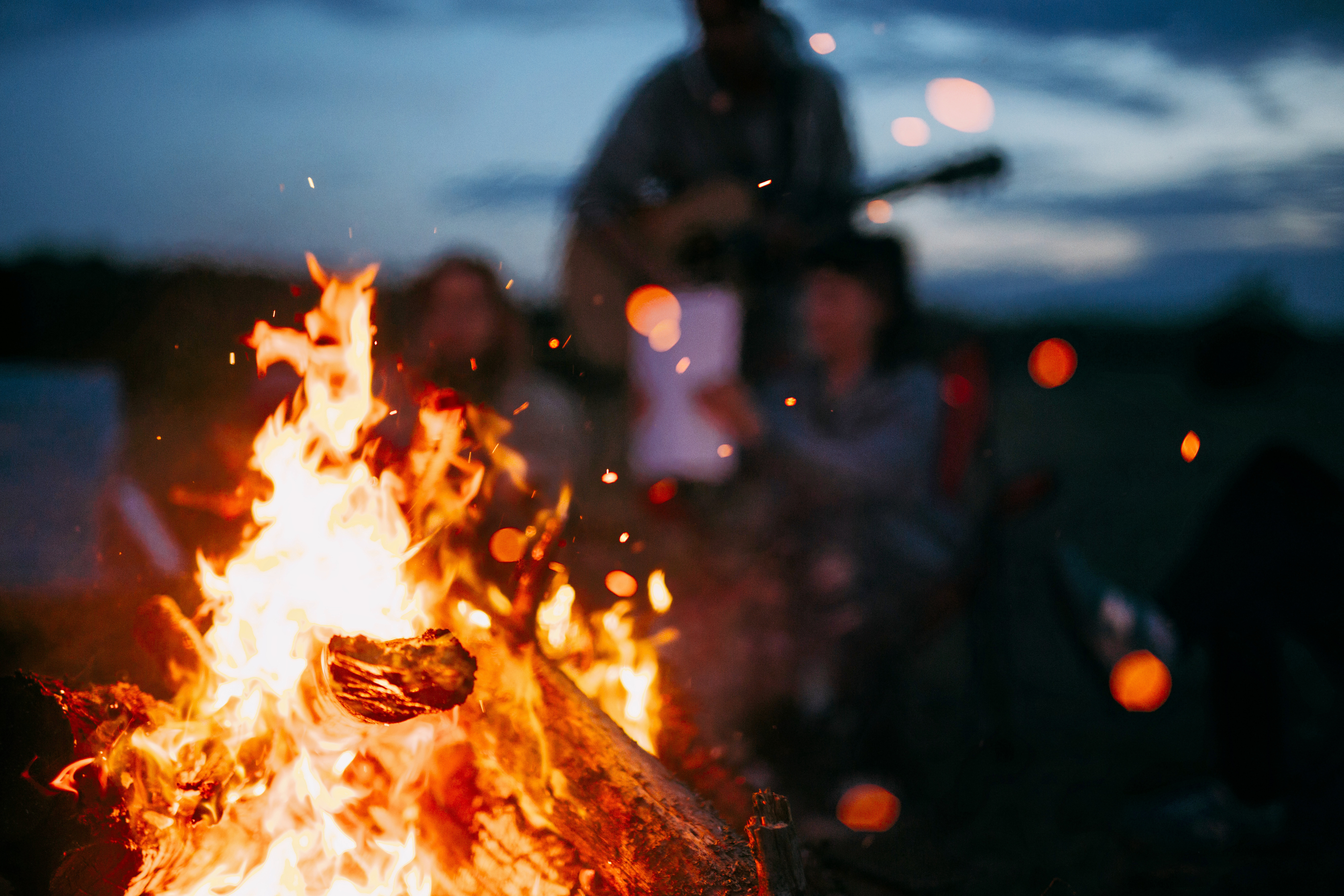 1575371700_bonfire1.jpg