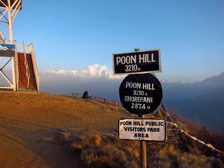 Ghorepani_poon_hill_trekking_in_nepal_(5).jpg