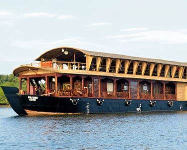 1 Night Luxury Houseboat in Goa