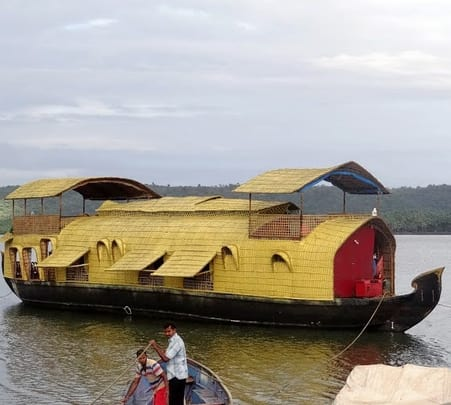 Overnight House Boat Tour in Goa