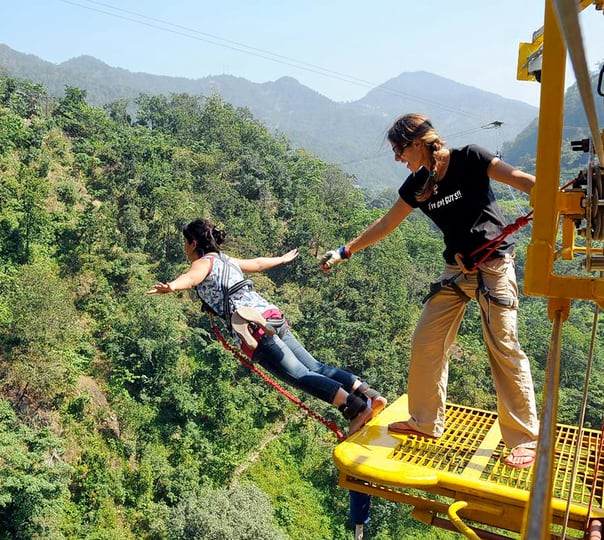 Rishikesh Daredevil Tour: Rafting and Bungee Jumping Combo