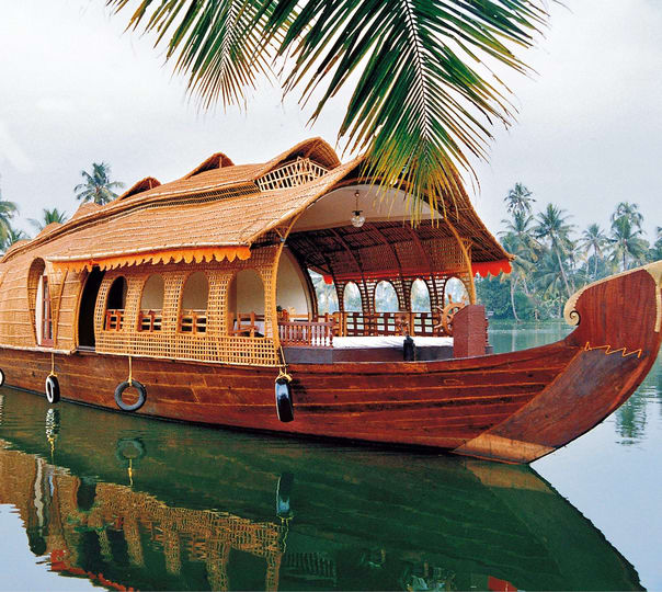 Traditional House Boat Package