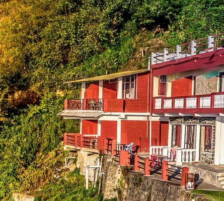 Cottage Stay with Waterfall Trek in Kodaikanal