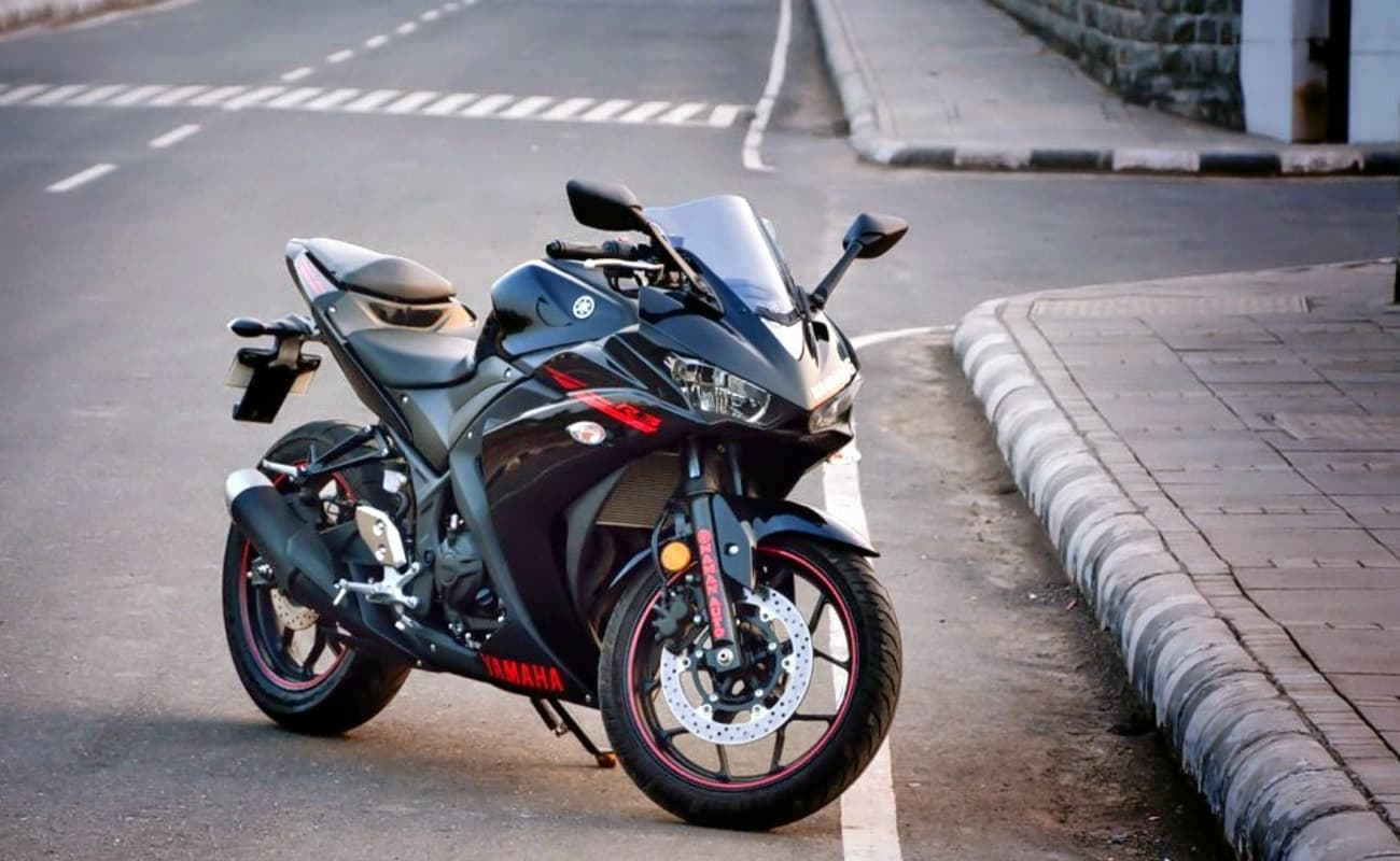 Yamaha R  Price