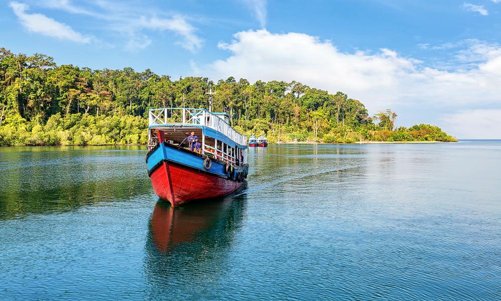 1537343821_ferry_to_north_bay_island_andaman.jpg