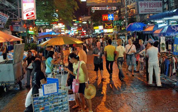 1463399215_khao_san_road_at_night_by_kevinpoh.jpg