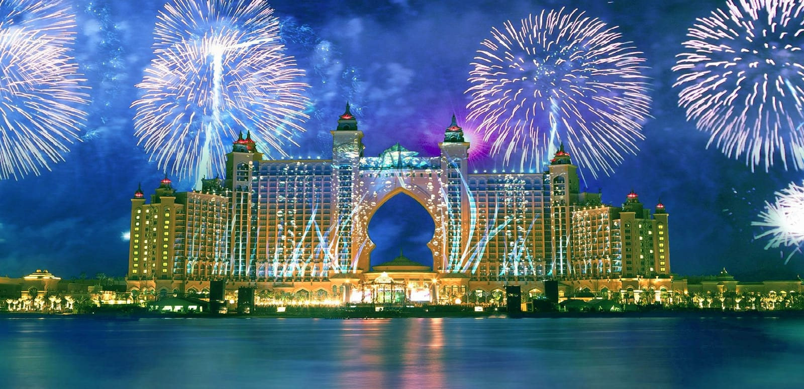 1464185944_6924794-atlantis-dubai-fireworks.jpg