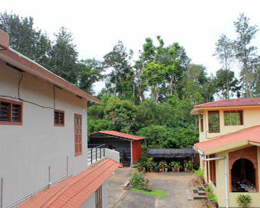 Stay Amidst Nature in Coorg Flat 15% off