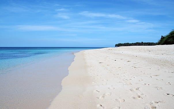 1463668439_pagudpud_beach.jpg